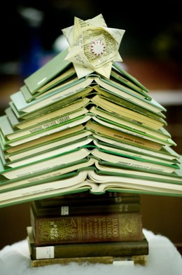 ChristmasBookTree